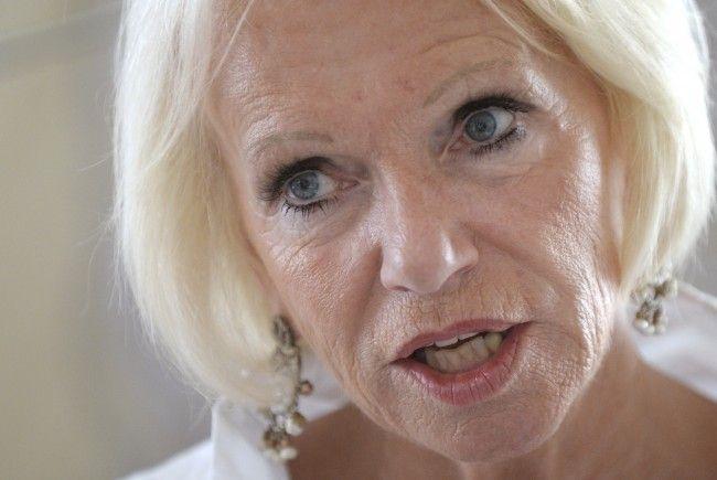 Volksanwälting Gertrude Brinek betont die Wichtigkeit des Themas häusliche Gewalt.