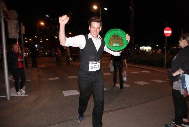 Beim Wiener Ober Run wurden die schnellsten Kellner gekürt.