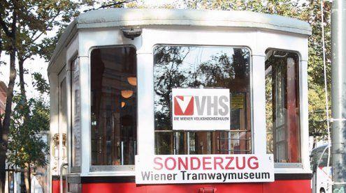 Gratis-Kurse in der Bim: Die Wiener VHS fährt Tramway