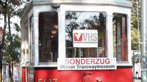 Gratis-Kurse in der Bim: Die Volkshochschule fährt Tramway