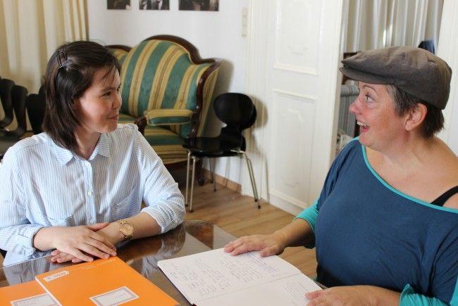 Autorin Mieze Medusa bringt Frauen mit Fluchthintergrund österreichische Literatur näher.