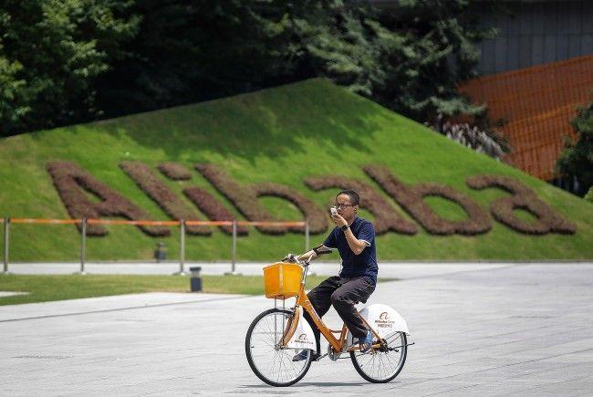 Der chinesische Internet-Gigant Alibaba greift den Weltmarkt an.