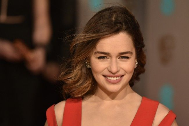 Die britische Schauspielerin sagte ihrer braunen Haarpracht lebewohl.