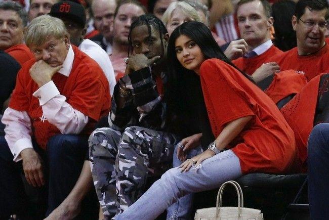 Ist Kylie Jenner etwa schwanger?
