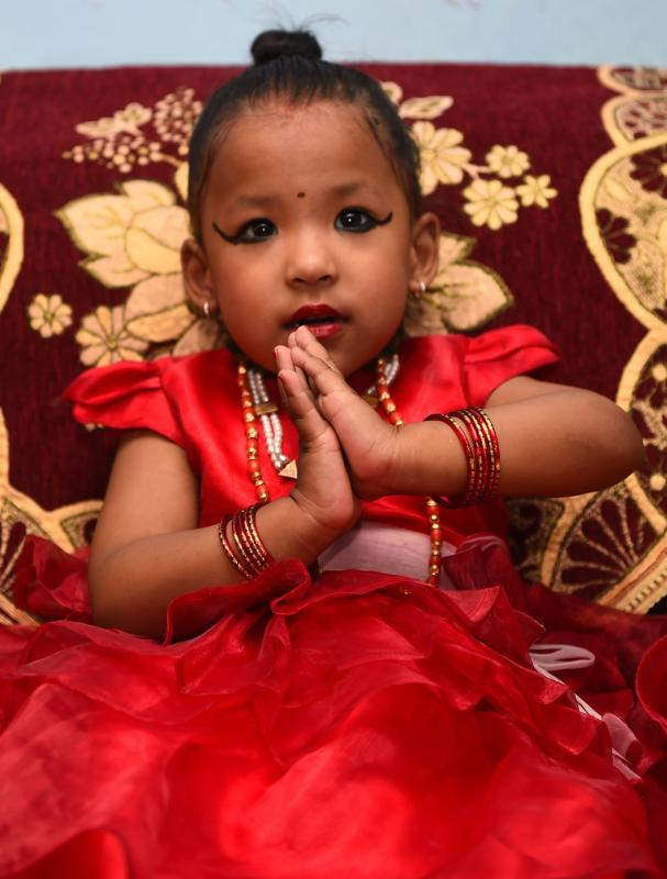 In Nepal wurde eine Dreijährige zur Göttin erhoben.