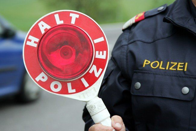Vier Jugendliche waren mit gestohlenen Kennzeichen unterwegs