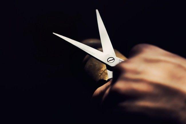 Ein 19-Jähriger bedrohte in Ottakring einen Mann mit einer Schere.