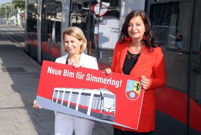 Eine neue Bim für Wien-Simmering präsentierte Ulli Sima