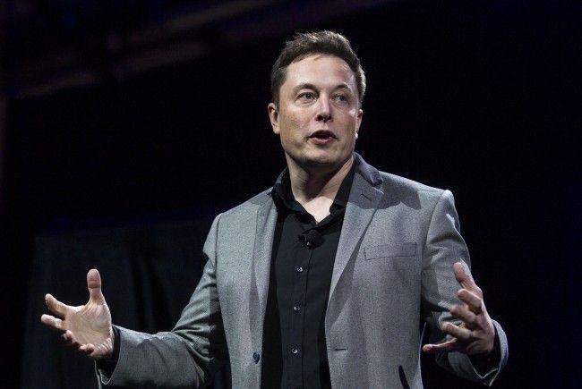 Der Tesla-Gründer hat anscheinend jederzeit Zugriff auf die Autos seiner Marke.