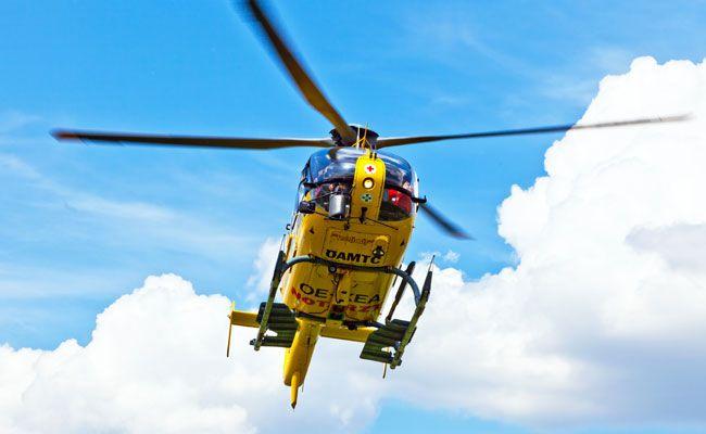 Der Schwerverletzte wurde mit dem Notarzthubschrauber ins Krankenhaus geflogen.