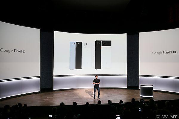 Mario Queiroz stellte Pixel 2 und Pixel 2 XL vor