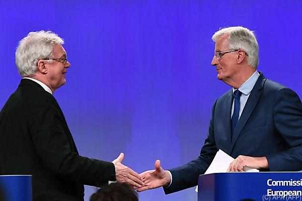 Britischer Brexit-Minister David Davis und EU-Chefverhandler Michel Barnier