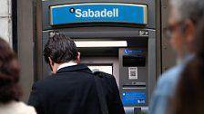 Separatisten hebenaus Protest Geld ab