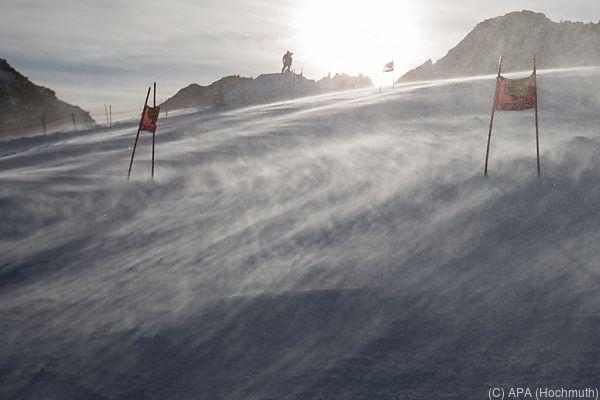 Sturm bescherte den Ski-Herren einen freien Tag