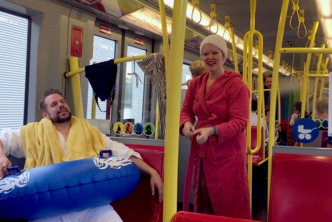 Für Spaß sorgte die Aktion der Therme Wien in der Wiener U1