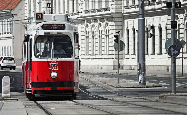 Am Rennweg kam es zu einem Unfall mit einer Straßenbahn der Linie 71