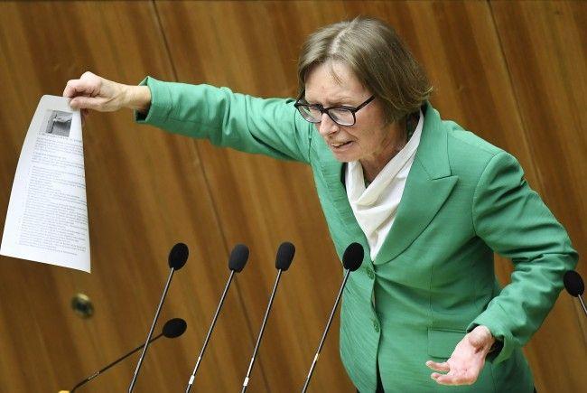 """""""Schwarz-Blau steht vor der Tür"""", begründete Rechnungshof-Sprecherin Gabriela Moser das Anti-Korruptionspaket."""