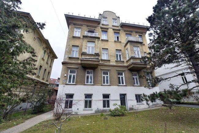 Jenes Haus in Wien-Penzing in dem ein 16-Jähriger seine Mutter mit mehreren Messerstichen getötet hat