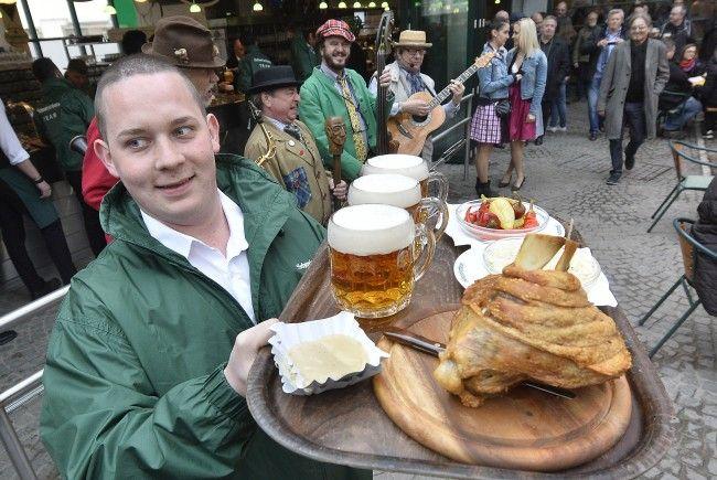 Im Schweizerhaus wird der Saisonabschluss gefeiert