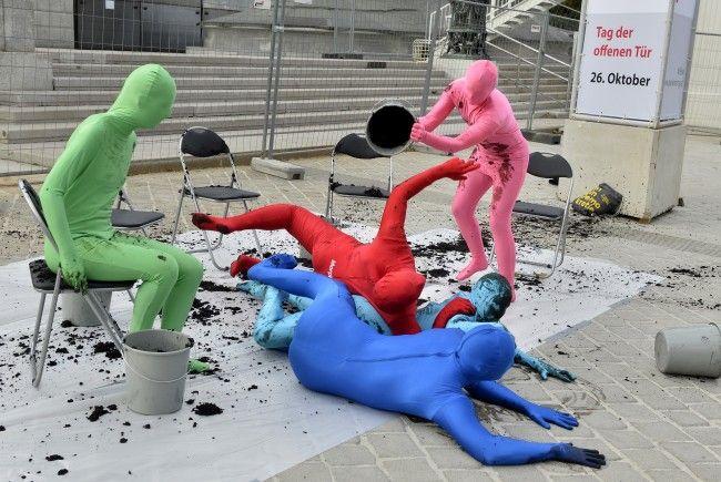 Die Initiative sorgte für eine Schlammschlacht vor dem Parlament.