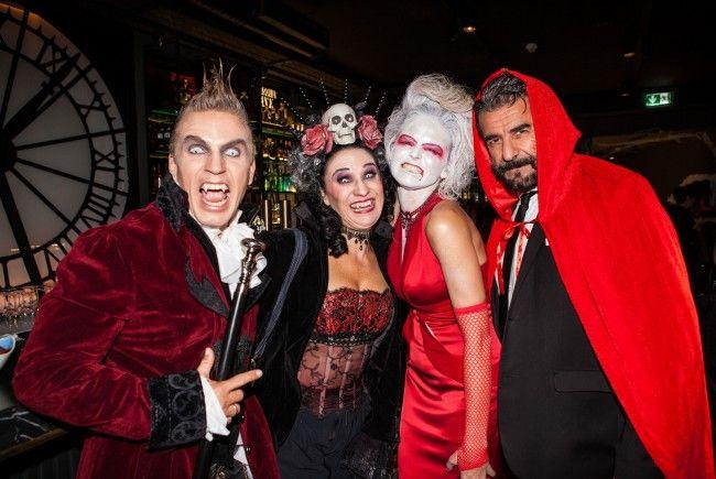 Das war die gruslig-schaurige Halloween-Party im Graben 30.