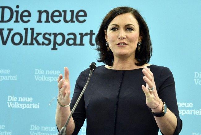 Elisabeth Köstinger bekräftigte die Steuer- und Wohnpläne der ÖVP.
