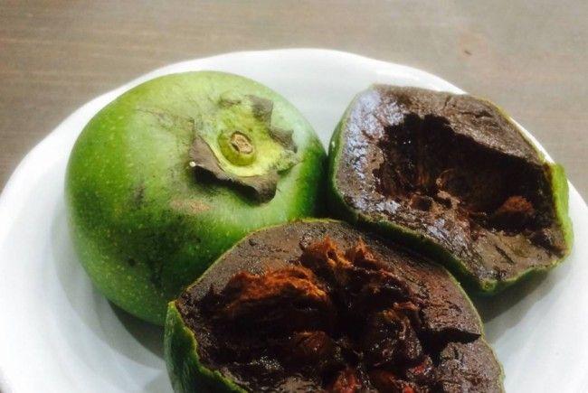 Die schwarze Sapote schmeckt nach Schokopudding und lässt Wünsche in Erfüllung gehen.