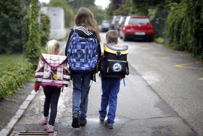 Mit dem Bewegungsspiel sollen Schüler motiviert werden, ihren Schulweg zu Fuß zurückzulegen.