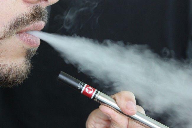 Laut einer Studie können E-Zigaretten Millionen Menschen vor dem Tod bewahren.