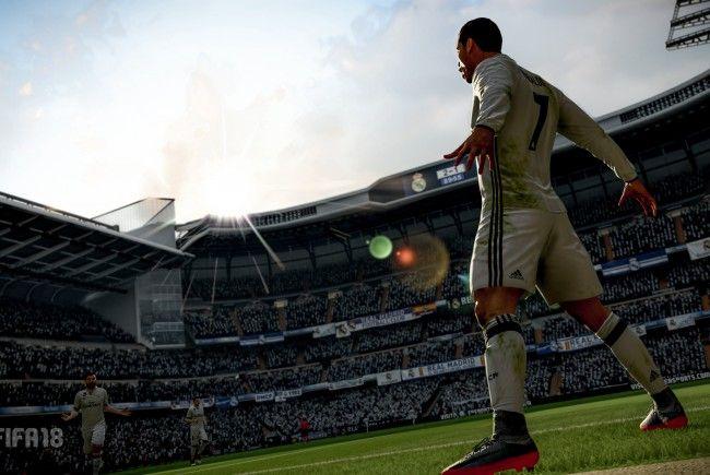 FIFA 18 kommt mit entschleunigtem Gameplay und Verbesserungen bei Details daher.