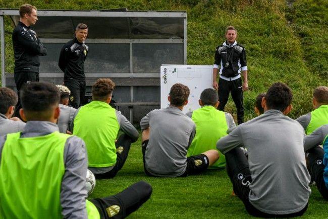 Als GAK-Angestellter erster Tag als Austria-Coach