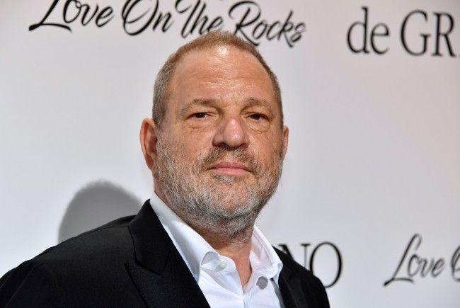 Der Produzent soll über Jahre hinweg Frauen belästigt haben.