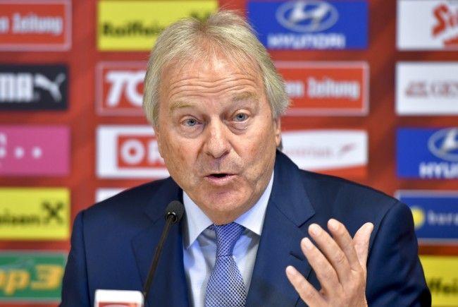 ÖFB-Präsident Leo Windtner gibt den neuen Teamchef der österreichischen Nationalmannschaft bekannt.