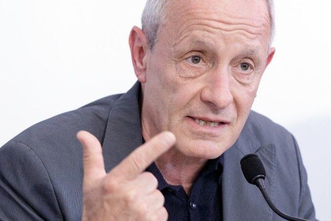Peter Pilz macht Finanzminiter Schelling Vorwürfe.