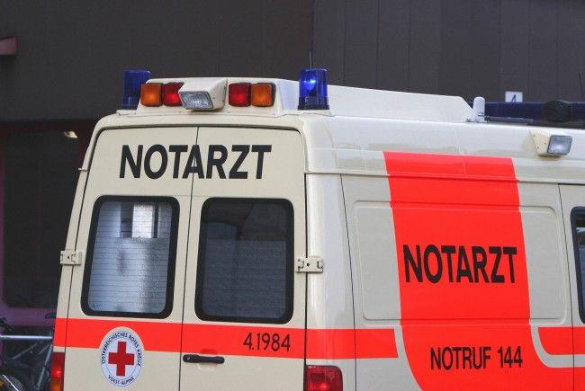 Die Fußgängerin wurde noch vor Ort von den Rettungskräften erstversorgt.