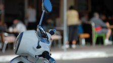 Mopedlenker in Wien-Floridsdorf angefahren