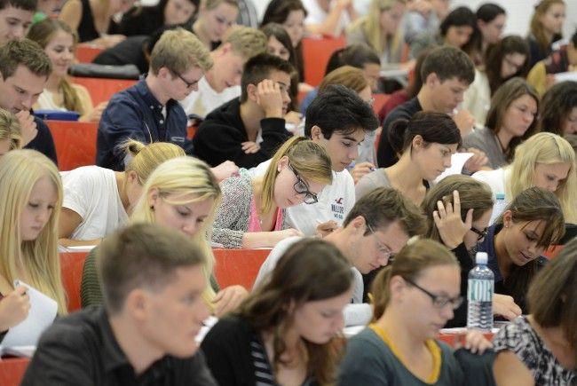 Die Zahl der Studenten in Österreich ist leicht gestiegen.