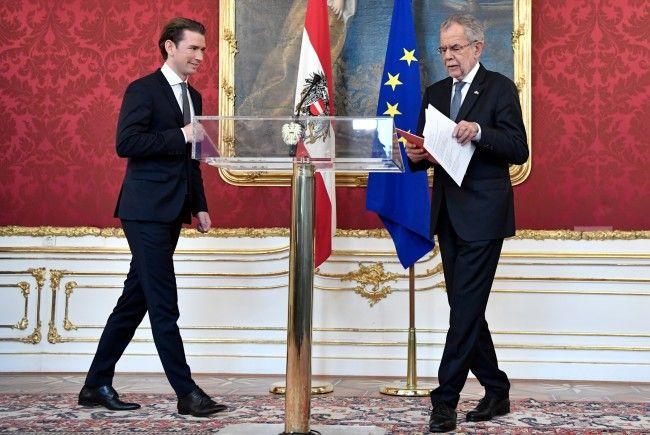 Van der Bellen beauftragte Kurz mit der Regierungsbildung.