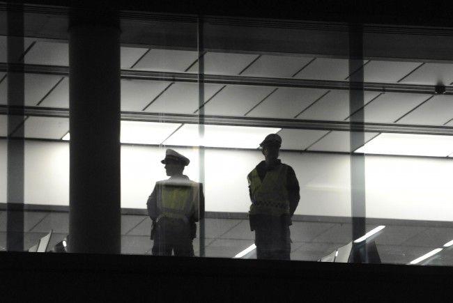 Die Polizei ist am Flughafen Wien vermehrt wegen des Verhüllungsverbots im Einsatz.