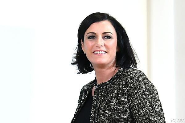 Rätselraten um Köstinger als Nationalratspräsidentin