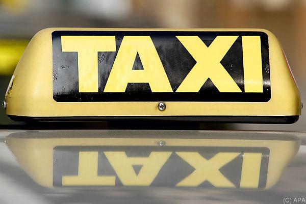 Der Taxilenker kennt nicht einmal den Namen des Fahrgasts