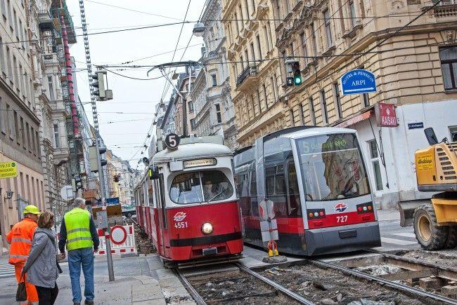 Eine Gleisbaustelle in der Laudongasse beeinträchtigt die Linie 5