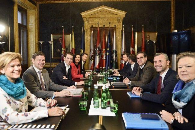 Bei den Koalitionsverhandlungen zwischen ÖVP und FPÖ am Freitag in Wien