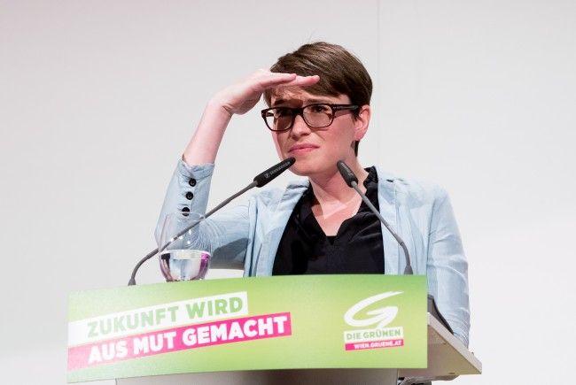 Abgeordnete Sigrid Maurer (Grüne) sorgt mit einem Stinkefinger-Foto für Wirbel