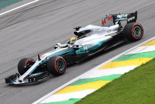 Der Finne Valtteri Bottas startet beim vorletzten Saison-GP in Brasilien von der Pole Position.