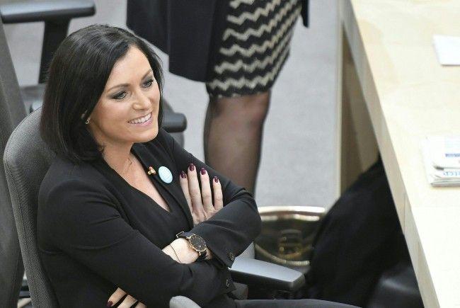 Elisabeth Köstinger (38) wurde zur Nationalratspräsidentin gewählt