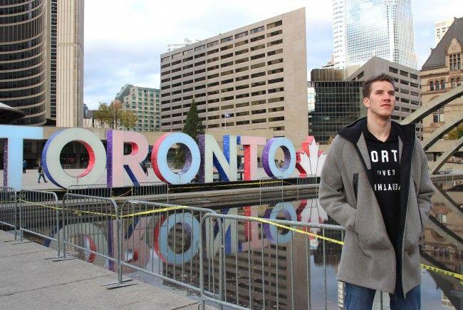 Österreichs NBA-Export Jakob Pöltl zeigt sich zufrieden in Toronto