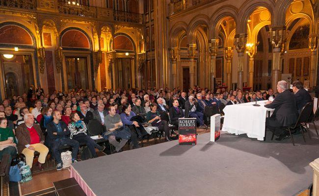 """Am 10-Jahres-Jubiläum der """"Buch Wien"""" nahmen 48.500 Besucher teil."""