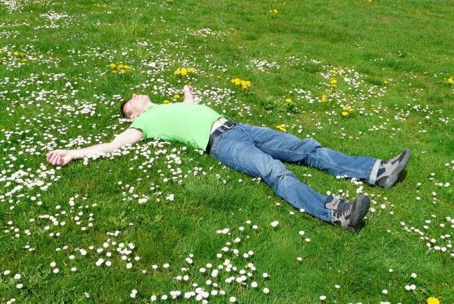 """Auch die """"Dead Pose"""", also das Totstellen, gehört zu den dümmsten Internet-Trends 2017."""
