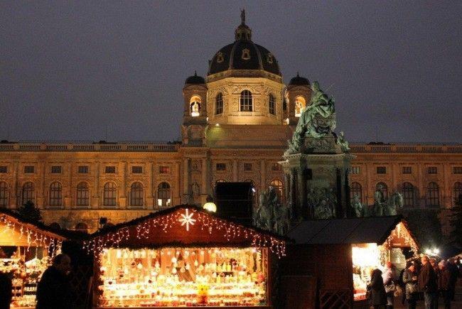 Auf dem Weihnachtsmarkt am Maria-Theresien-Platz trieben sich Diebinnen herum